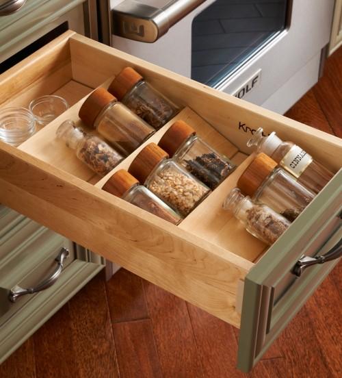 nápady na organizaci zásuvek v kuchyni (34)
