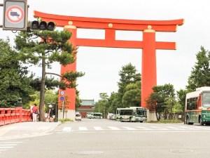 京都の平安神宮の大鳥居