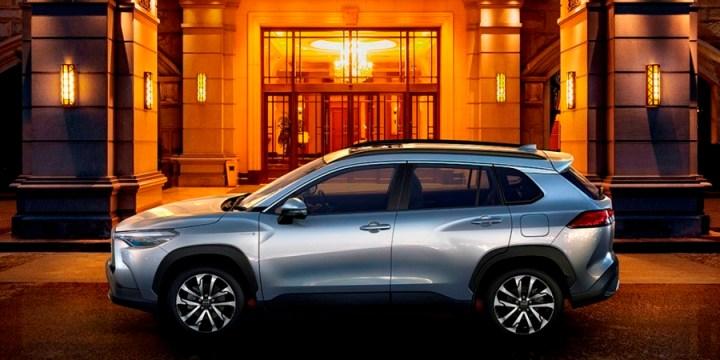 Toyota Corolla Cross - Tampak Samping