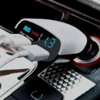 Charger Mobil dengan Detektor Voltase Aki
