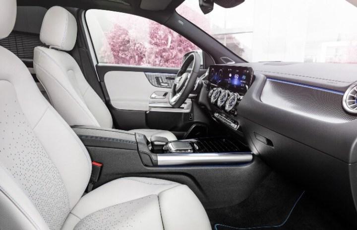 Mercedes-Benz EQA -Interior Kabin Depan