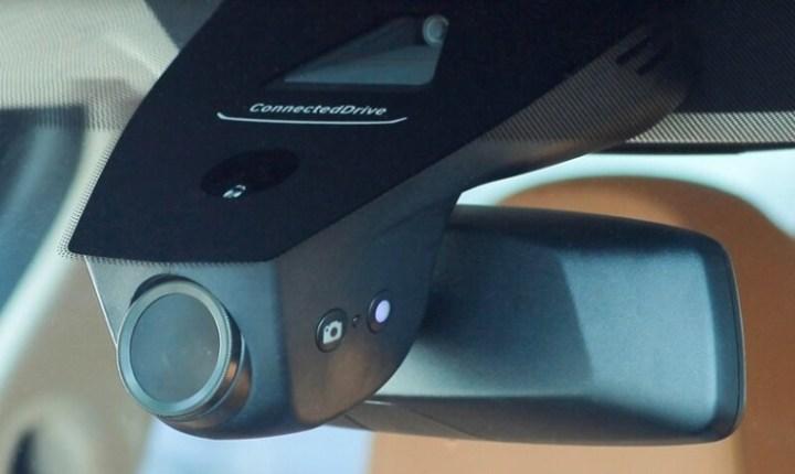 Dashcam integrated dengan Rear View Mirror