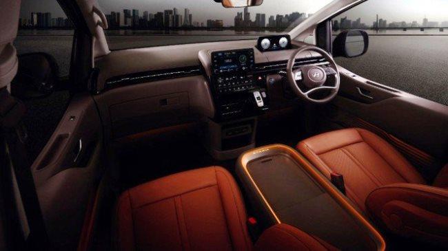 Interior Dashboard Luxury MPV Korea