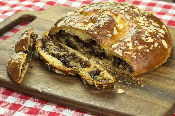 τσουρέκι γεμιστό με σοκολατα και πραλίνα - τσουρέκι χωρίς γέμιση - chef Δημήτρης Χρονόπουλος
