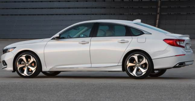New 2022 Honda Accord Redesign looks luxurious and elegant