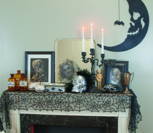 Halloween mantel overall shot