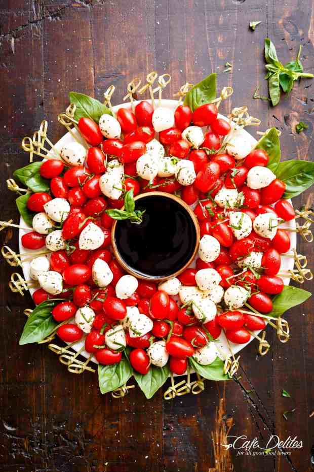 Caprese-Christmas-Wreath