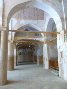 mezquita más antigua de irán carvansaray