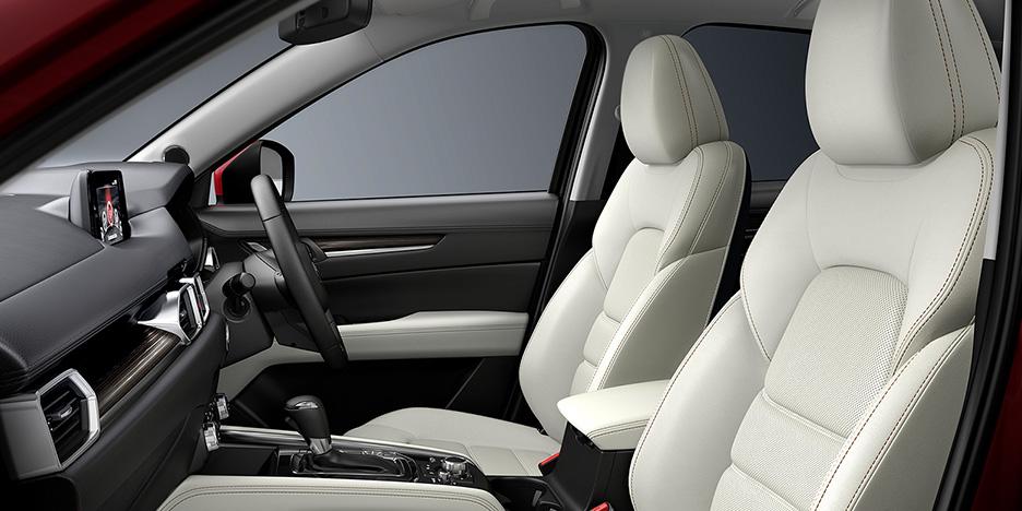 2017新型CX-5の内装・インテリア口コミ評価!車内の広さは?質感が最高の白レザーが人気!
