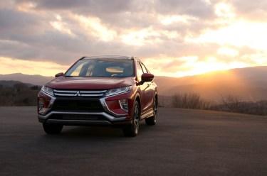 三菱新型SUVエクリプスクロスの燃費(実燃費)は思ってたより悪い?ライバル車と比べてみる。
