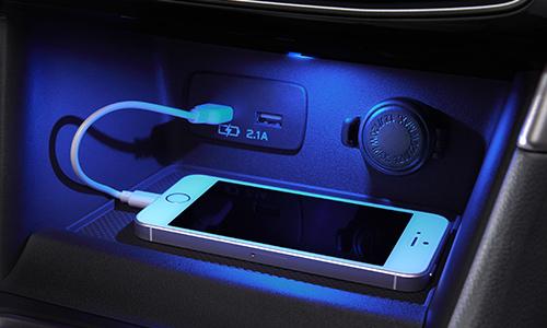 新型フォレスター内装画像センタートレイ&USB電源
