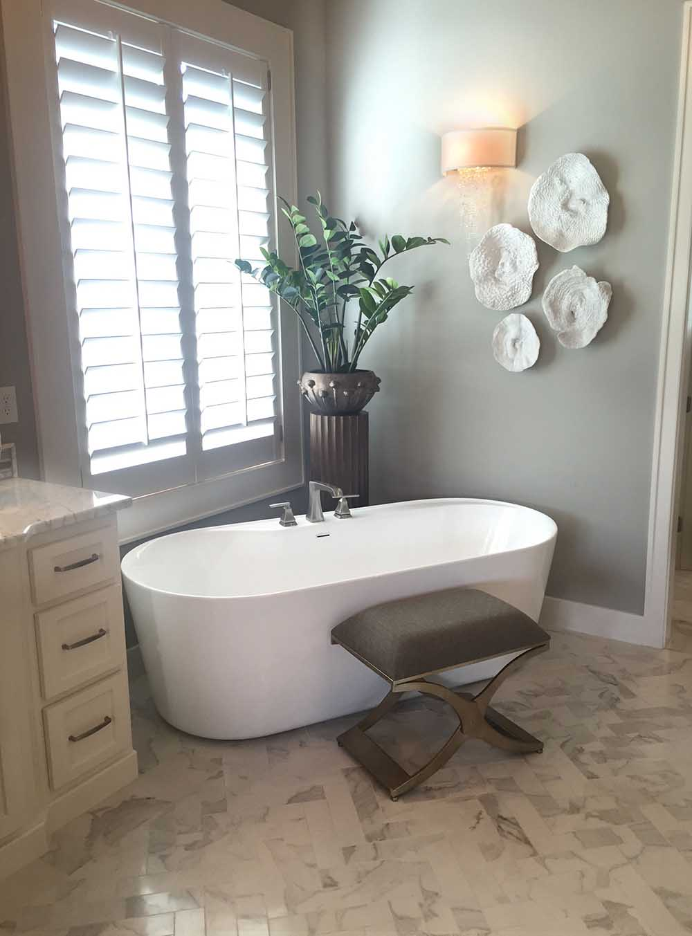 AMUR 70 FREESTANDING SOAKING TUB Carver Tubs