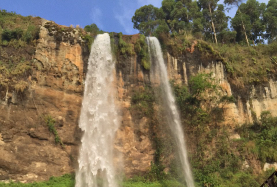Sipi Falls via @carvetiicoffee
