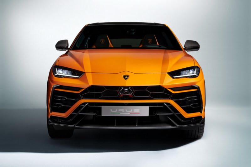 2021 Lamborghini Urus Comes With A Gorgeous Pearl Capsule Design Cars News Reviews Sport Cars Car Enthusiasts And Many More