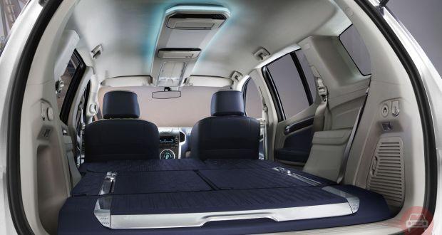 Auto Expo 2014 Chevrolet Trailblazer Interiors Bootspace
