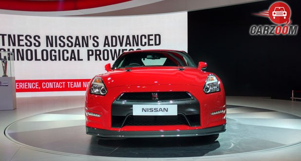Nissan GT-R Front