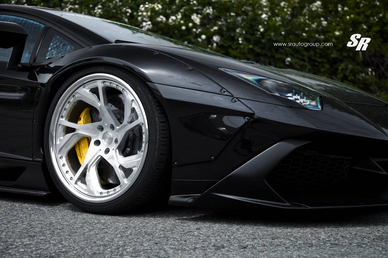 Lamborghini Aventador Rides On Pur Wheels, Customization