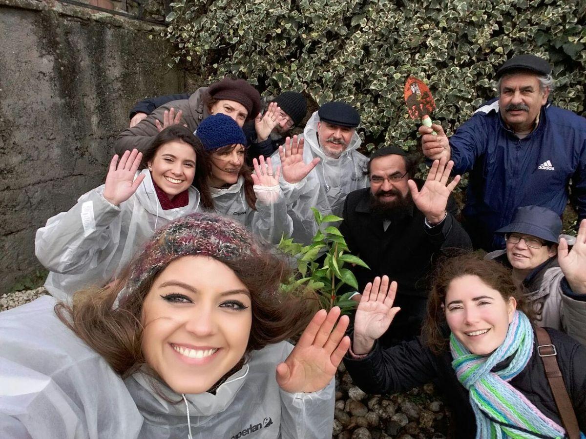 Plantando árboles en honor a Tu Bishvat
