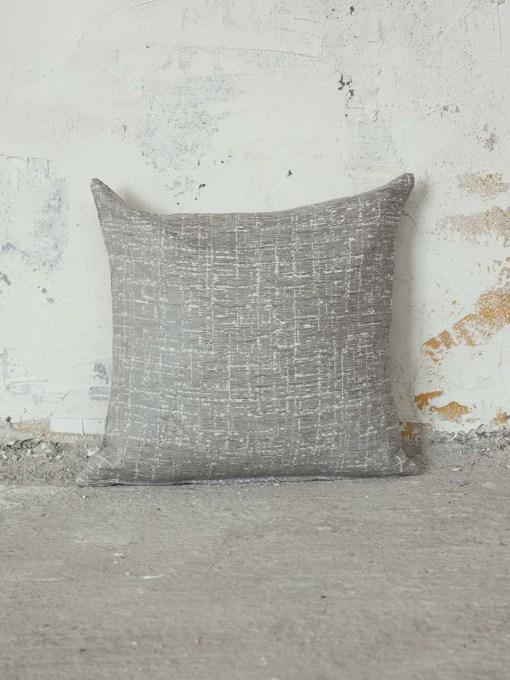 maxilari-kanape-45×45-nima-graze-grey