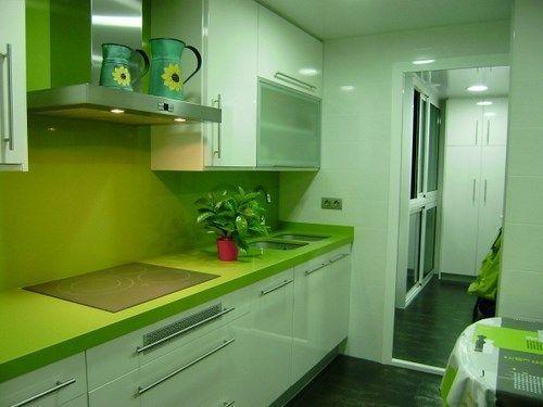 cocina pequea verde y blanca  Casa Web