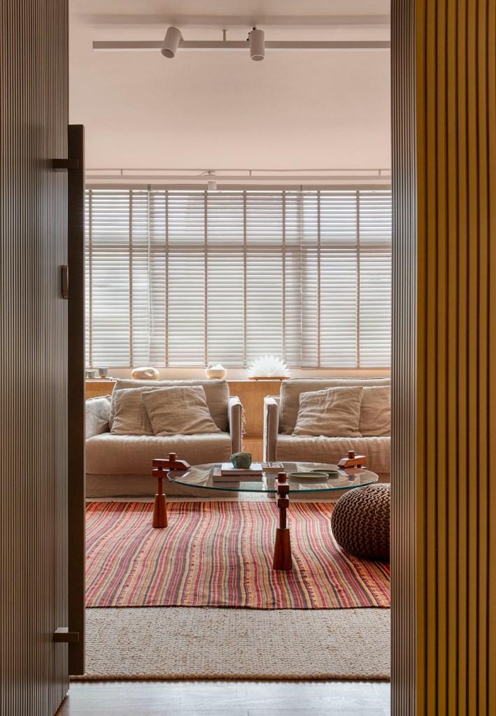Apartamento nos Jardins assinado pela designer de interiores CACAU RIBEIRO foto 1 Vision Art NEWS