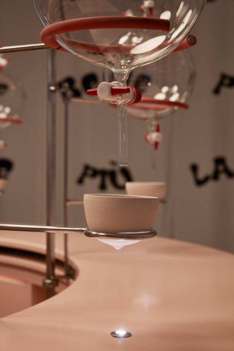 laranja mecanica leite bar herbarium alcova design dezeen 04 Vision Art NEWS
