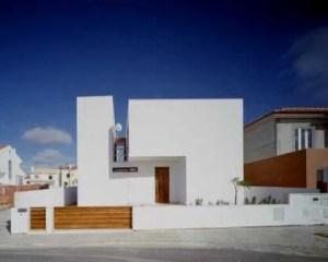 Construção de casa moderna fachada