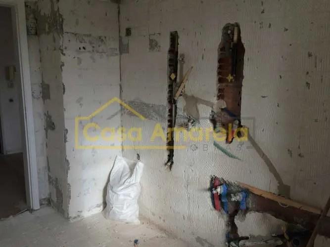 Antes de remodelação de casa de banho no Porto