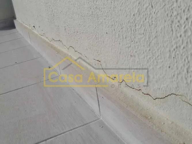Fissura em parede infiltrações em terraço