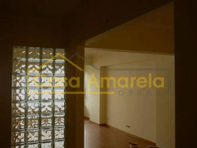 Remodelação de apartamento parede com tijolo de vidro