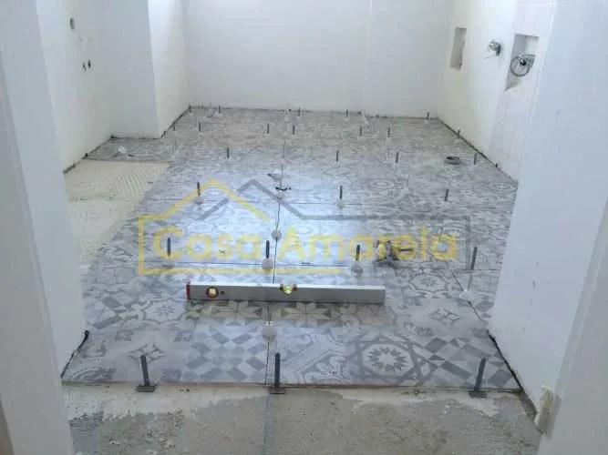 Remodelação de cozinha aplicação de pavimento