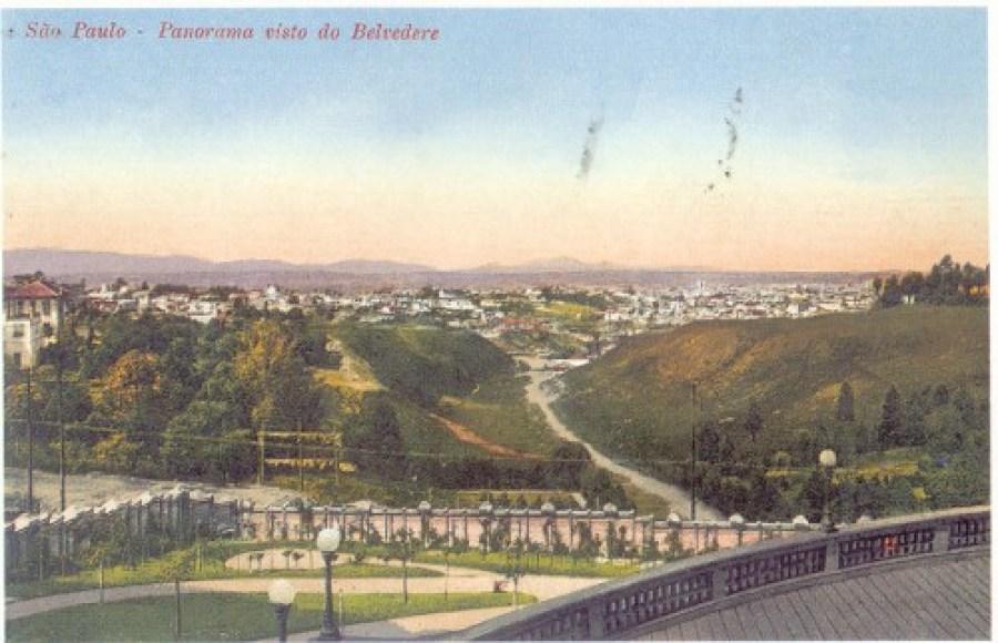 Belvedere Trianon, ponto de encontro da elite paulistana. De lá, vista impressionante do centro de São Paulo e da Serra da Cantareira. Casa Ao Cubo. Foto: Site SP City - Década de 1920.