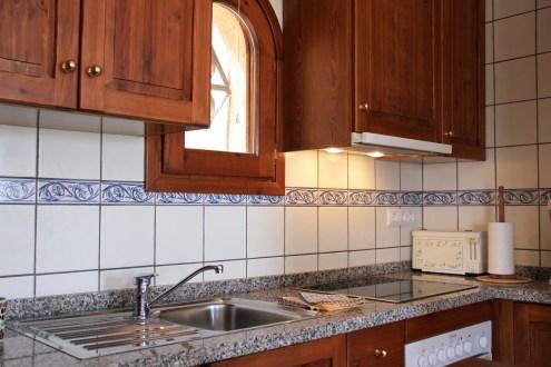 In der Wohnung Oltá wird auf einer Ceran-Platte gekocht und in einem Backofen mit Strom gebacken.