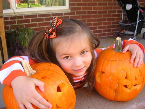 Halloween 2009 Ella & pumpkins