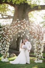 casamento_arco_portal_flores_cortina_branco_galhos_01