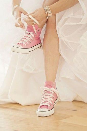 casamento_paleta-de-cores_rosa_laranja_sapato_allstar_01