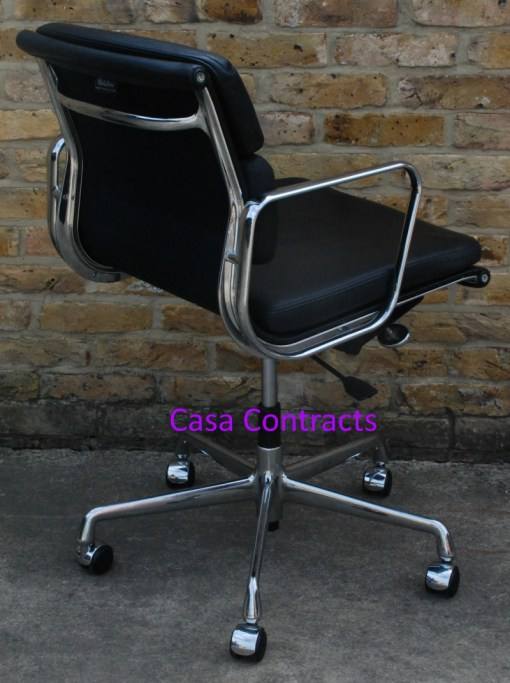 Vitra Eames EA217 Soft Pad Black Leather 6