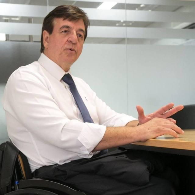 Geraldo Marcos Nogueira Pinto integrou o Conselho Pleno e presidiu a Comissão de Defesa dos Direitos da Pessoa com Deficiência da OAB/RJ. Em 1990, sofreu um acidente de carro e ficou paraplégico. Atualmente, é subsecretário da Pessoa com Deficiência no Município do Rio de Janeiro. Imagem: Reprodução