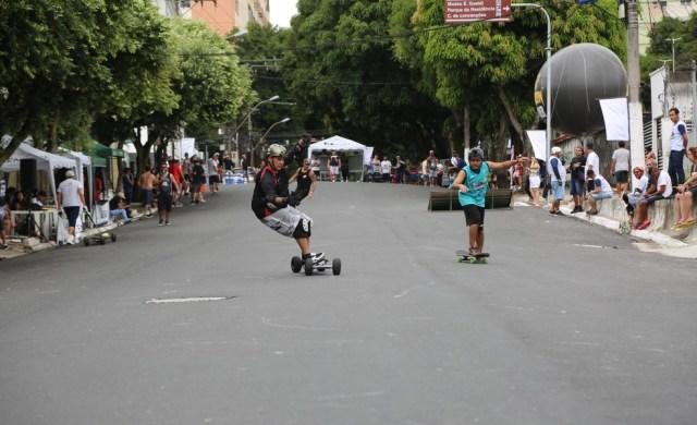 Ladeira da Travessa 14 de março, entre as avanidas Magalhães Barata e Gentil Bittencourt, vistou pista skate no último domingo — Foto: Alessandra Serrão/Comus