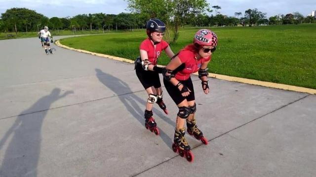 Beatriz e sua guia em um treinamento de patinação - Arquivo Pessoal