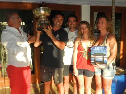 Eqipo ganador con Fini