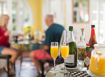 mimosas and bloody marys at brunch on weekends and holidays
