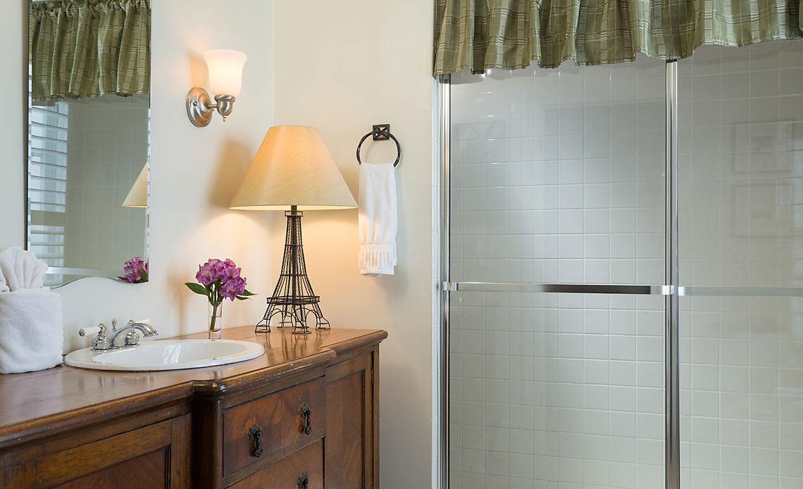 Castillo Room Bath