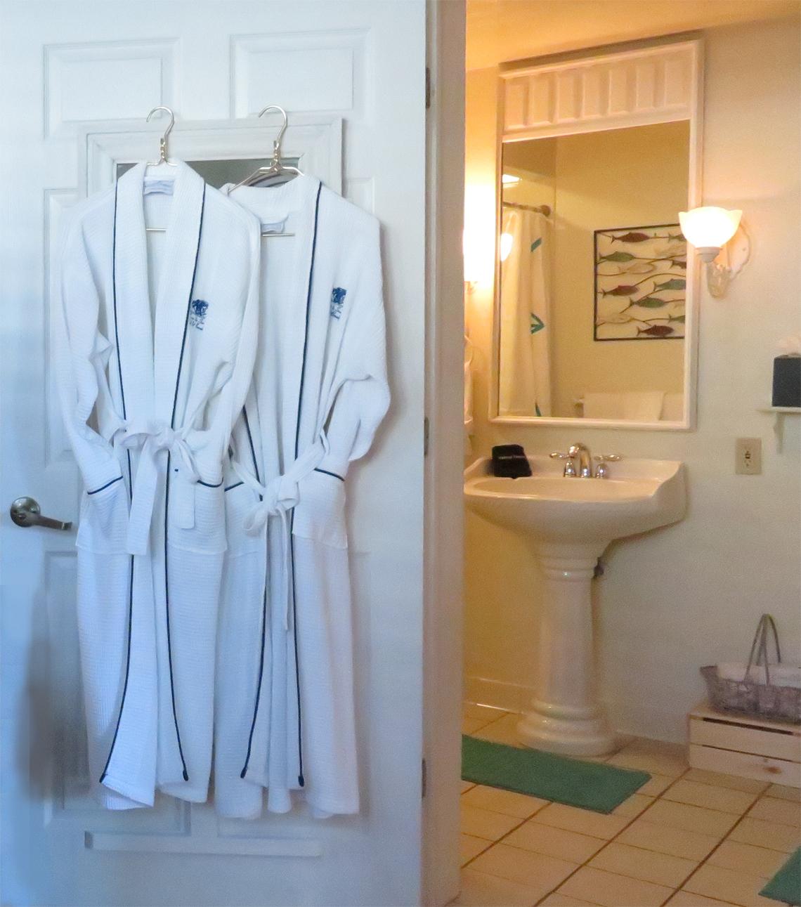 Nieves bathrobes and bathroom