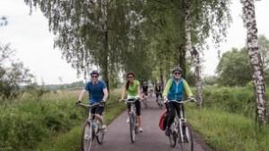 """Emissário da Shavei Israel inaugura o primeiro evento """"Ciclismo pela Vida"""" na Polônia"""