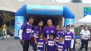 Gurion-Sela-and-family-Jerusalem-Marathon-1