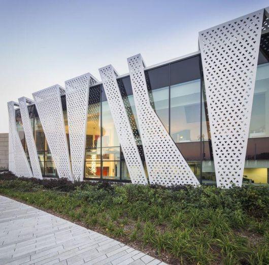 Fachadas Metlicas 30 projetos diferenciados e modernos