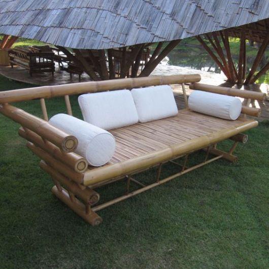 sofá moderno com almofadas