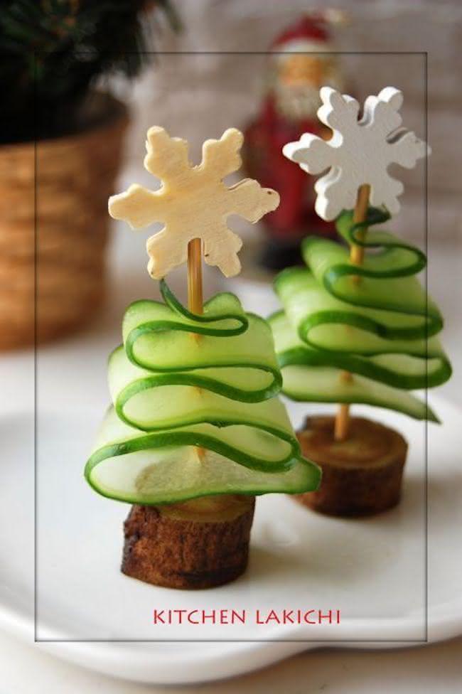 Mini árvores de natal com pepinos