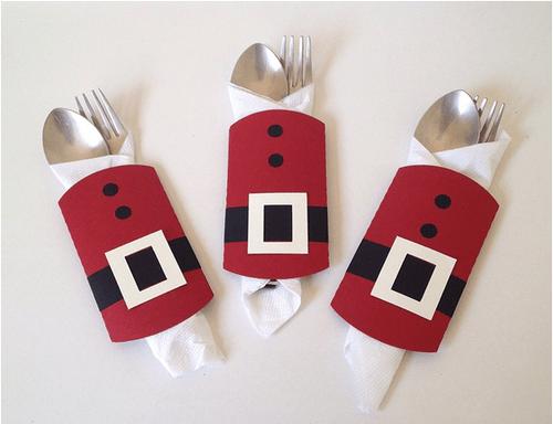 Porta-talheres inspirado na roupa do Papai Noel